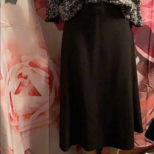 Croft & Barrow blk stretch skirt size 16